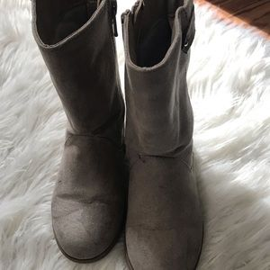Grey old navy boots